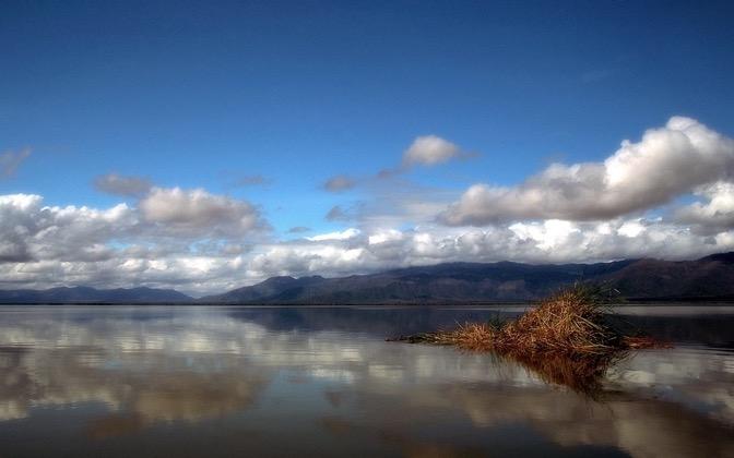High-resolution desktop wallpaper Lake Jipe by Marcus Stenberg