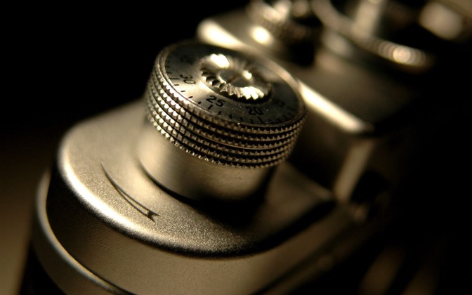 High-resolution desktop wallpaper Old Camera by jocopix
