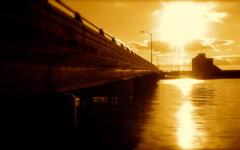 High-resolution desktop wallpaper Sunlit Span by Keith Wichowski