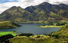 High-resolution desktop wallpaper Lake Wanaka, New Zealand by SkyHigh
