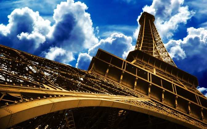 High-resolution desktop wallpaper La Tour D'or by goodontoast