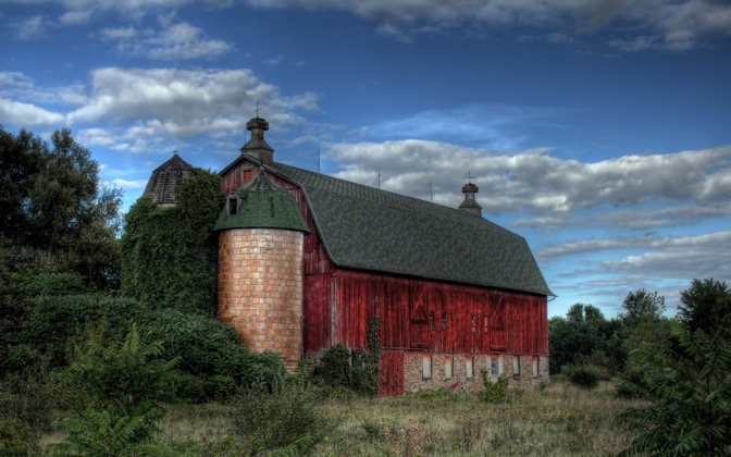 High-resolution desktop wallpaper Old Red Barn by rczeien