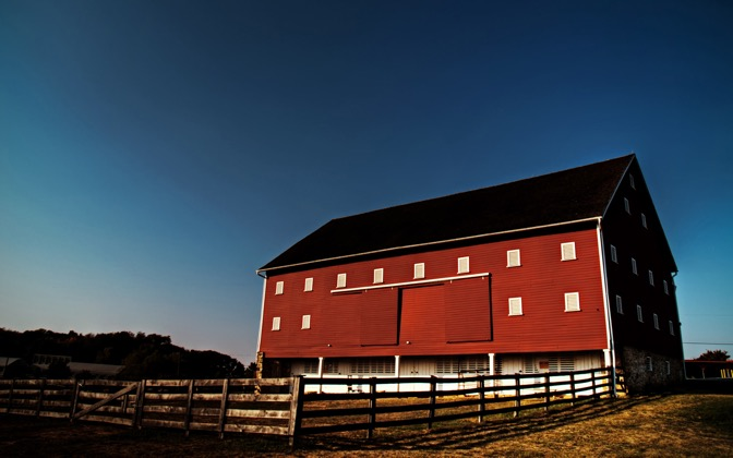 High-resolution desktop wallpaper MD Red Barn HDR by teeklee
