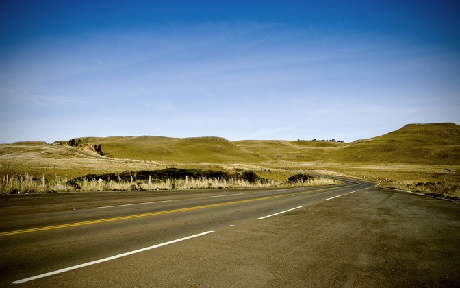 High-resolution desktop wallpaper A Crossing Way by Vitor Isaia