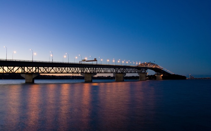 High-resolution desktop wallpaper Auckland Harbour Bridge by Chris Gin