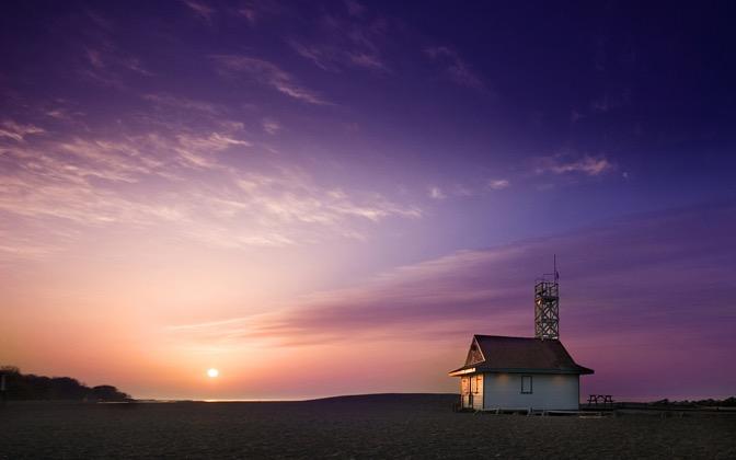 High-resolution desktop wallpaper Beach House by Tommy