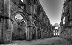 High-resolution desktop wallpaper San Galgano Abbey - Tuscany by il Carletto