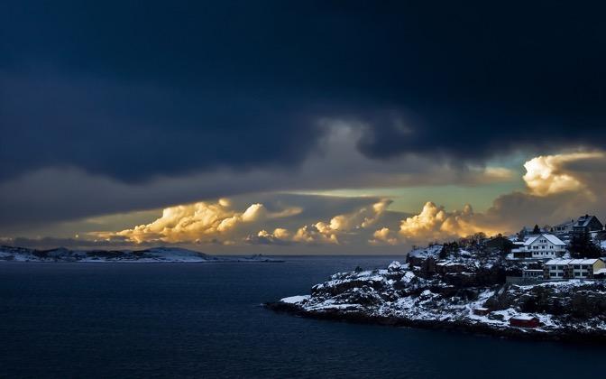 High-resolution desktop wallpaper Norwegian Coast by Egilanso