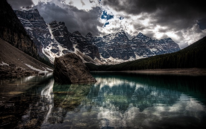 High-resolution desktop wallpaper Moraine Lake by pat1926