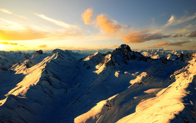 High-resolution desktop wallpaper 1,000 Feet Above The Alps by Dominic Kamp