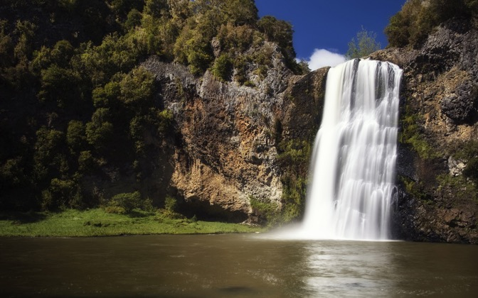 High-resolution desktop wallpaper Hunua Falls by North of Auckland