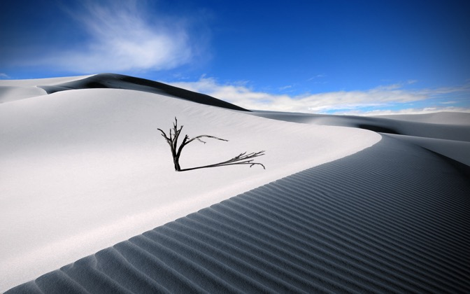 High-resolution desktop wallpaper The Lonesome Dune by Dominic Kamp
