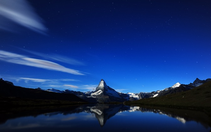 High-resolution desktop wallpaper Matterhorn's Midnight Reflection by Dominic Kamp