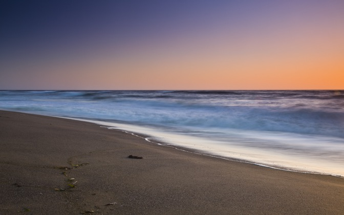 High-resolution desktop wallpaper Drakes Beach by Sean Hanlon