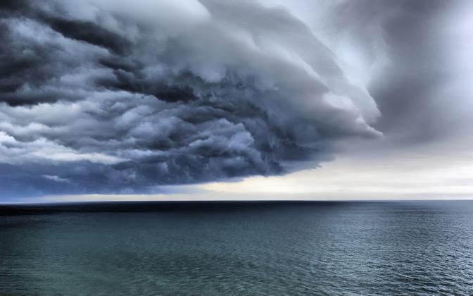 High-resolution desktop wallpaper Big Storm by quiquecv