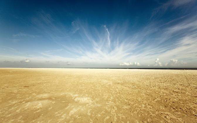 High-resolution desktop wallpaper The Beach by Markv86