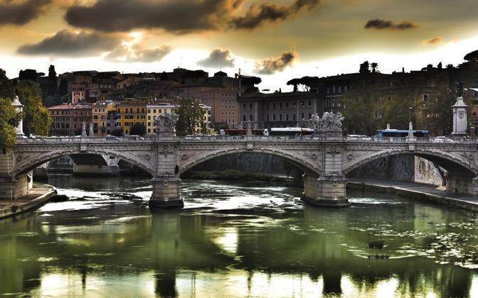 High-resolution desktop wallpaper Ponte Vittorio by Emmanuel Iarussi