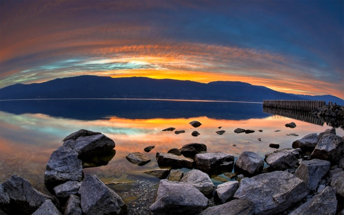 High-resolution desktop wallpaper Sunset on Lake Okanagan by lucasjungmann