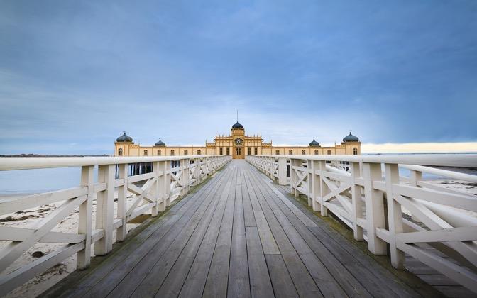 High-resolution desktop wallpaper Pier House by Lowe Rehnberg