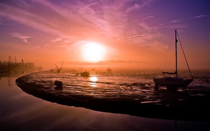 High-resolution desktop wallpaper A Misty Morning by onis_uk
