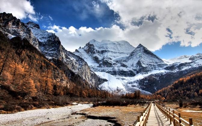 High-resolution desktop wallpaper Snow Mountain by volcanono
