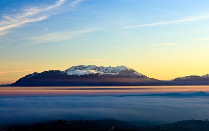 High-resolution desktop wallpaper Majella over the Fog by Giovanni Di Gregorio