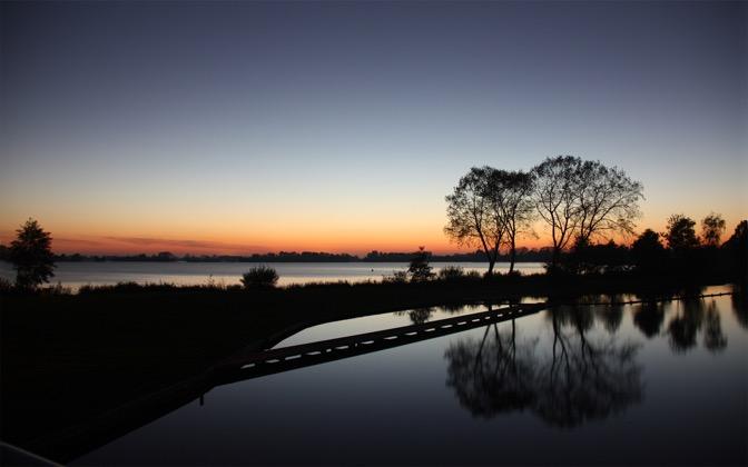 High-resolution desktop wallpaper Lake Night by Tomasc