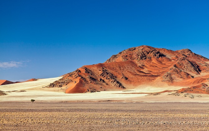 High-resolution desktop wallpaper Red Sand by Philippe Clairo