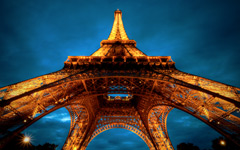 High-resolution desktop wallpaper La Tour Eiffel by jaullmann2