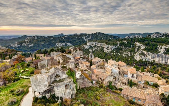 High-resolution desktop wallpaper Les Baux-de-Provence by Philippe Clairo