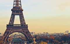 High-resolution desktop wallpaper La Dame de Fer by Philippe Clairo