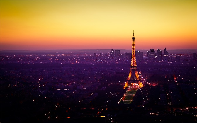 High-resolution desktop wallpaper Nightfall in Paris by Emmanuel Iarussi