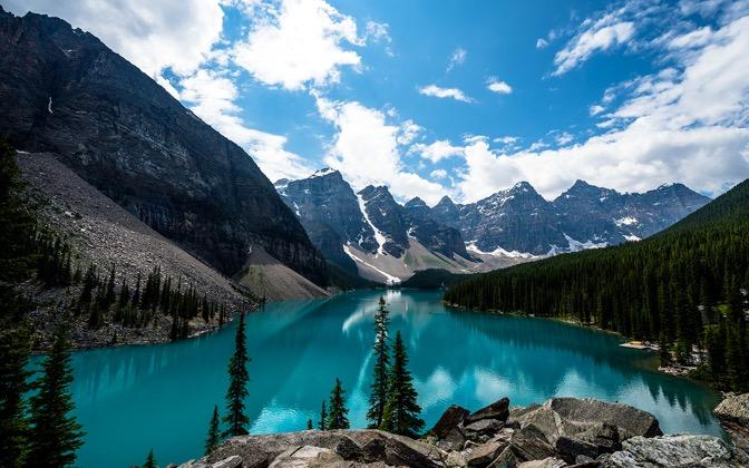 High-resolution desktop wallpaper Emerald Moraine Lake by Dave Elysium