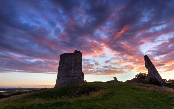 High-resolution desktop wallpaper Hadleigh Castle by Fuzzypiggy
