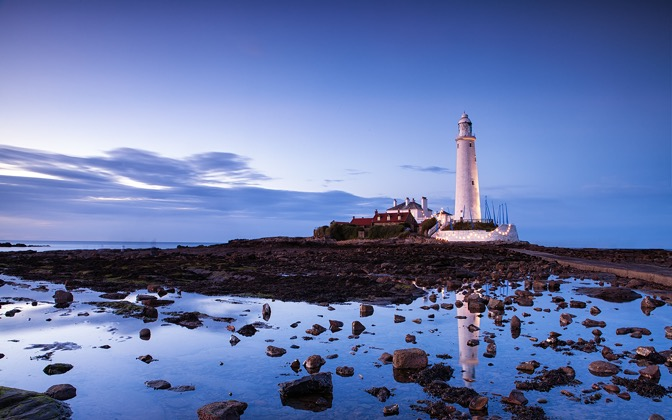 High-resolution desktop wallpaper St Mary's Lighthouse by Fuzzypiggy