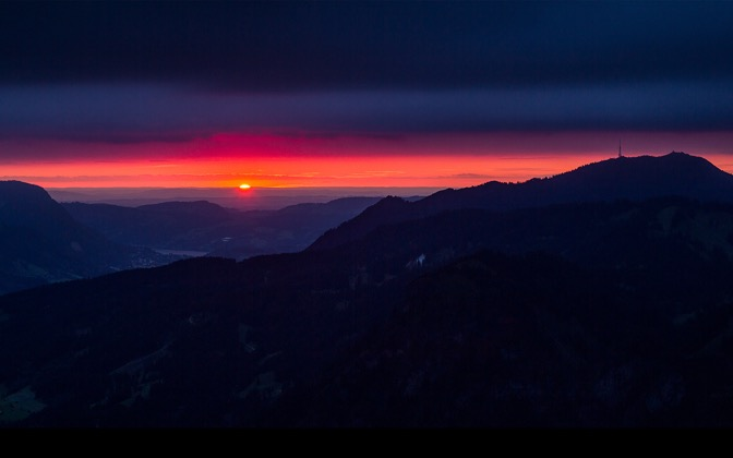 High-resolution desktop wallpaper Amazing Mountain Sunset by Jonathan Besler