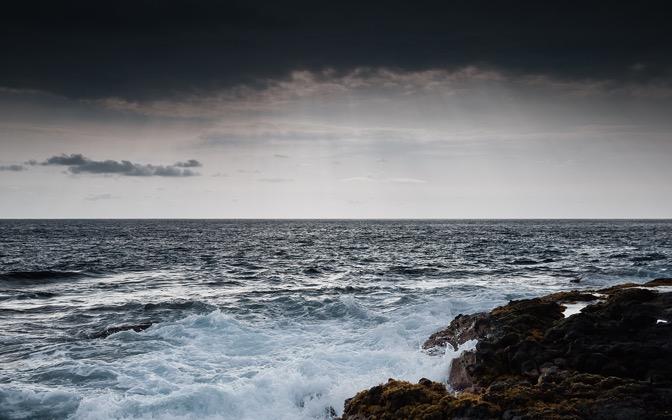High-resolution desktop wallpaper Stormy Ocean by thekidder