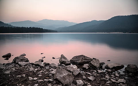 High-resolution desktop wallpaper Sunset at Lake Siskiyou by photodim