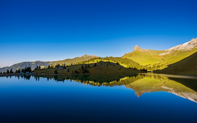 High-resolution desktop wallpaper Mountain Lake Idyll by Dominic Kamp