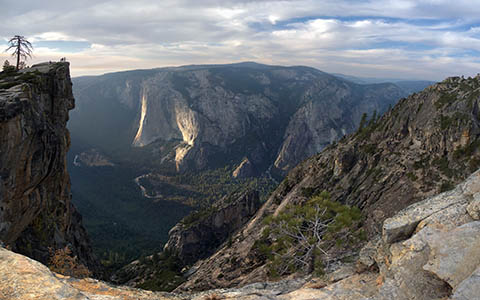 High-resolution desktop wallpaper Taft Point @ Yosemite, California by internosphoto