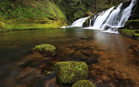 High-resolution desktop wallpaper East Fork Falls by Robert Bynum