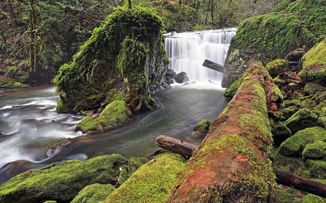 High-resolution desktop wallpaper Lower East Fork Falls by Robert Bynum
