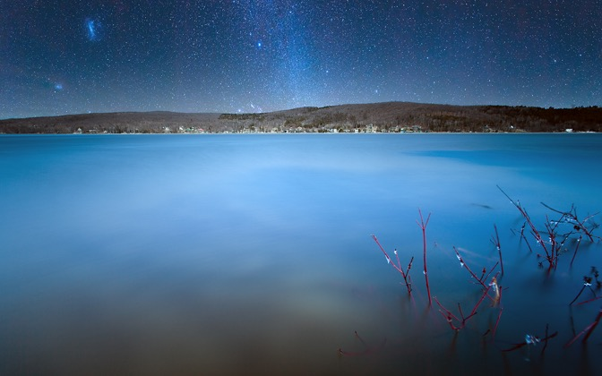 High-resolution desktop wallpaper Milky Way Over Lake William by Nicolas Goulet