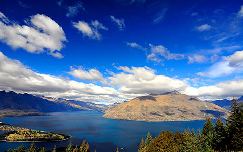High-resolution desktop wallpaper Overlooking Lake Wakatipu by Aspen