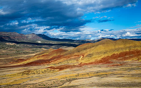 High-resolution desktop wallpaper Oregon's Painted Hills by Robert Bynum