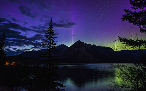High-resolution desktop wallpaper Banff Aurora by pkieren