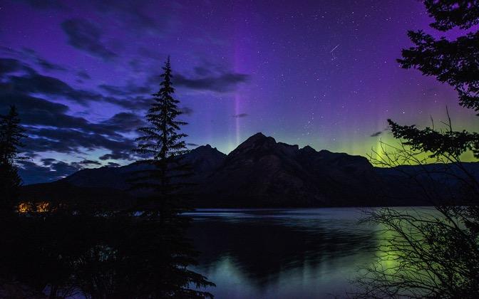 High-resolution desktop wallpaper Banff Aurora by pkieren