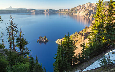 High-resolution desktop wallpaper Crater Lake by Robert Bynum