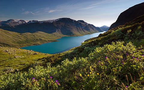 High-resolution desktop wallpaper Besseggen, Norway by R. Stolan