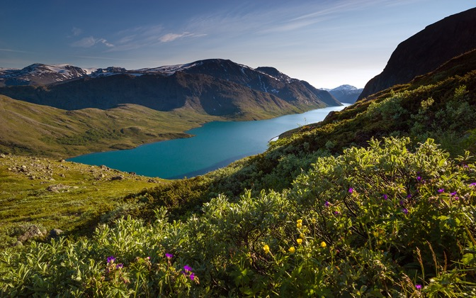 High-resolution desktop wallpaper Besseggen, Norway by R. Stolan